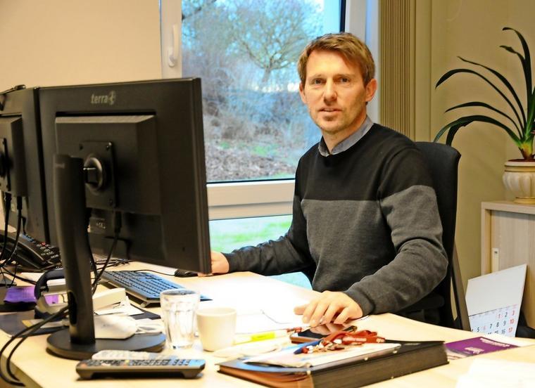 Hospizleiter Stephan Michelis an seinem Arbeitsplatz. Quelle: Stephanie Fedders